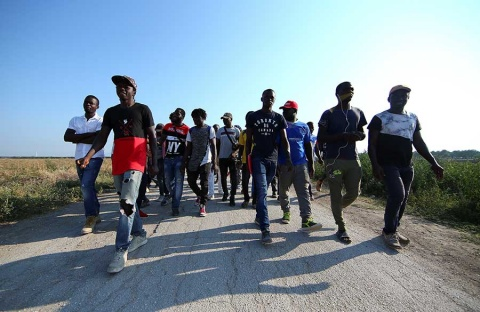 Inmigrantes reclaman mejoras laborales en Italia