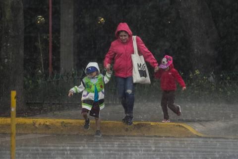 Se esperan tormentas puntuales fuertes en Chihuahua, Durango, Nayarit, Jalisco, Colima, Michoacán, Ciudad de México, Estado de México y Morelos. Foto: Cuartoscuro