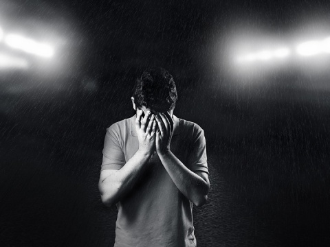 Los padres de familia deben estar alerta ante síntomas de depresión, ansiedad e ira en sus hijos para poder ayudarlos, sin regañarlos en las redes. Foto: Pixabay