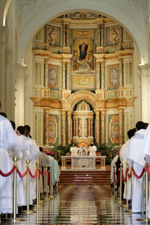 'La Iglesia está herida por su propio pecado', admite papa Francisco