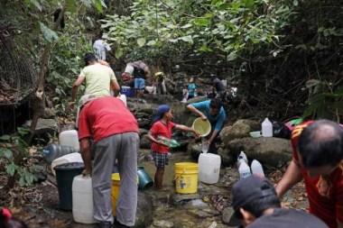 'Nos están asfixiando a todos', así se sufre en Venezuela por apagón