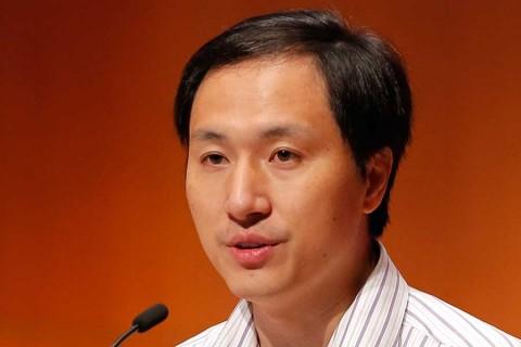 Condenan a cárcel a científico chino que creo bebés genéticamente modificados