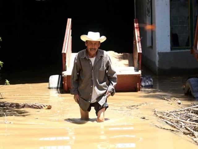 El gobierno estatal pidió a la Segob la Declaratoria de Emergencia para 83 ayuntamientos que fueron afectados por las lluvias severas e inundaciones.