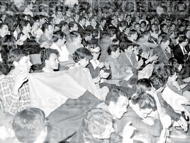 Los estudiantes acordaron que los siguientes mítines estaban programados para realizarse en la explanada de Rectoría, uno a las 12:00 horas y otro a las 17:00 horas de ese 1 de octubre de 1968.