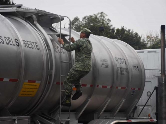 Miles de pipas con gasolina se dirigen a la CDMX
