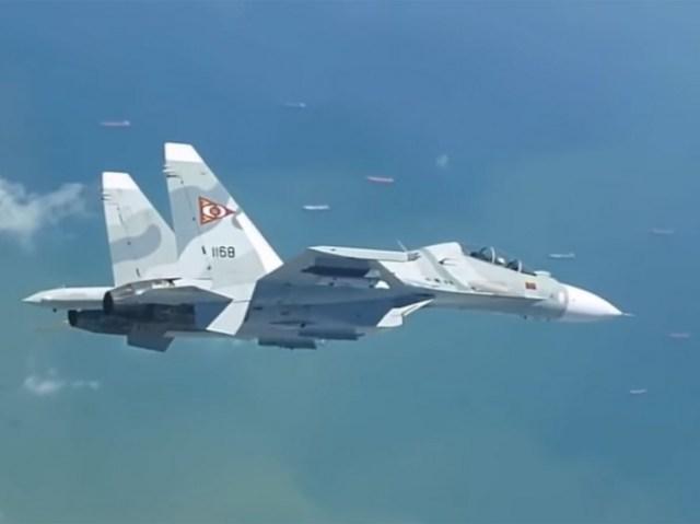 Uno de los cazas rusos-chinos sobrevuela terrirorio venezolano