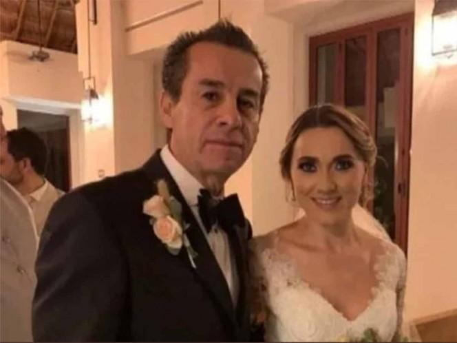 Tres años después de la muerte de su hijo, el exedil decidió casarse con quien fuera su nuera y ahora esposa. Foto tomada de Ah perro