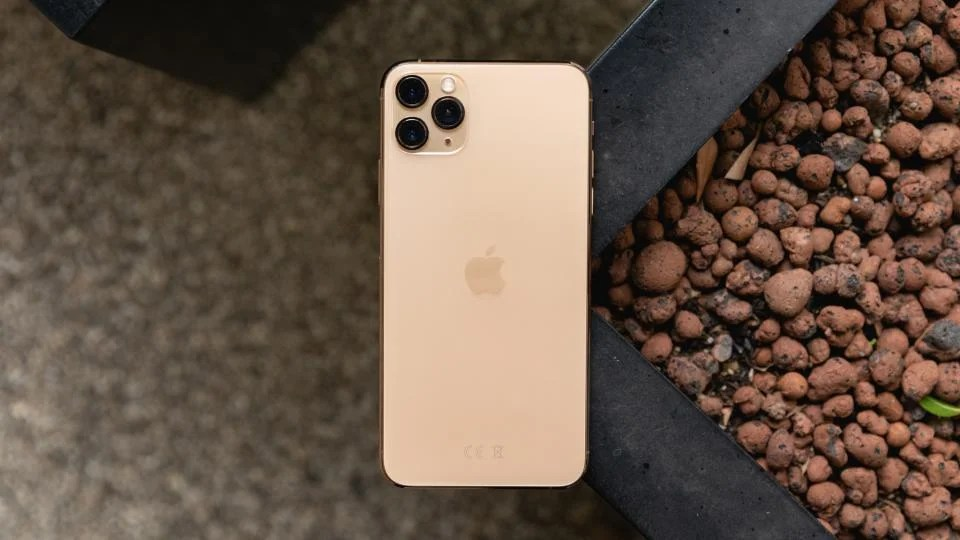 Apple Iphone 11 Pro Max Review The Best Of The Best Expert Reviews