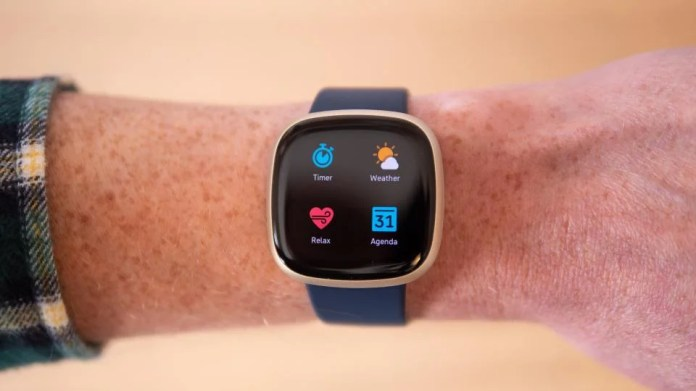 Fitbit Versa 3 Review Frustratingly Close To Perfection Expert Reviews