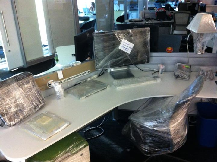 shrink-wrapped-desk-prank