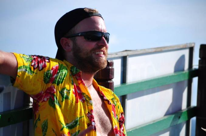Dustys-boat-shirt
