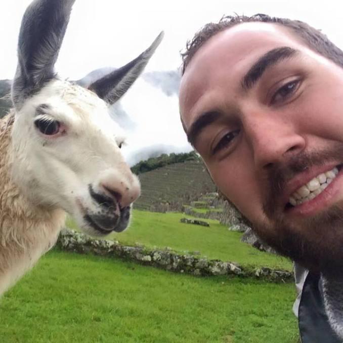 Evan-Gailey-Peru-llama