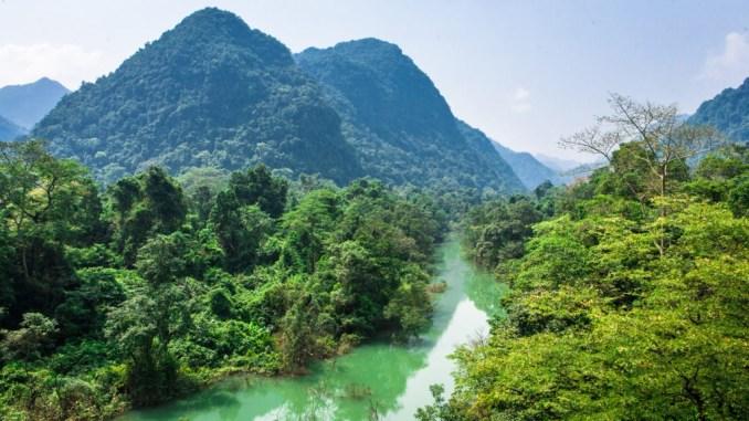 Mike-Rowbottom-Vietnam-Phong-Nha