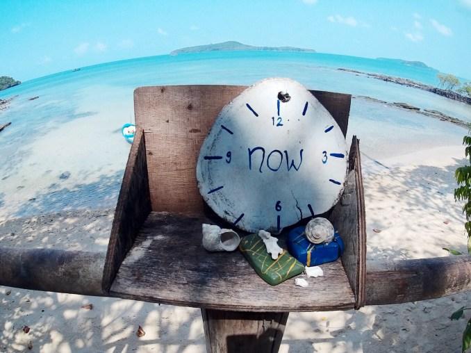 beach clock-Toni Sweetland-Thailand