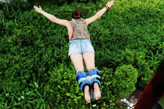 bungee-jumping-girl
