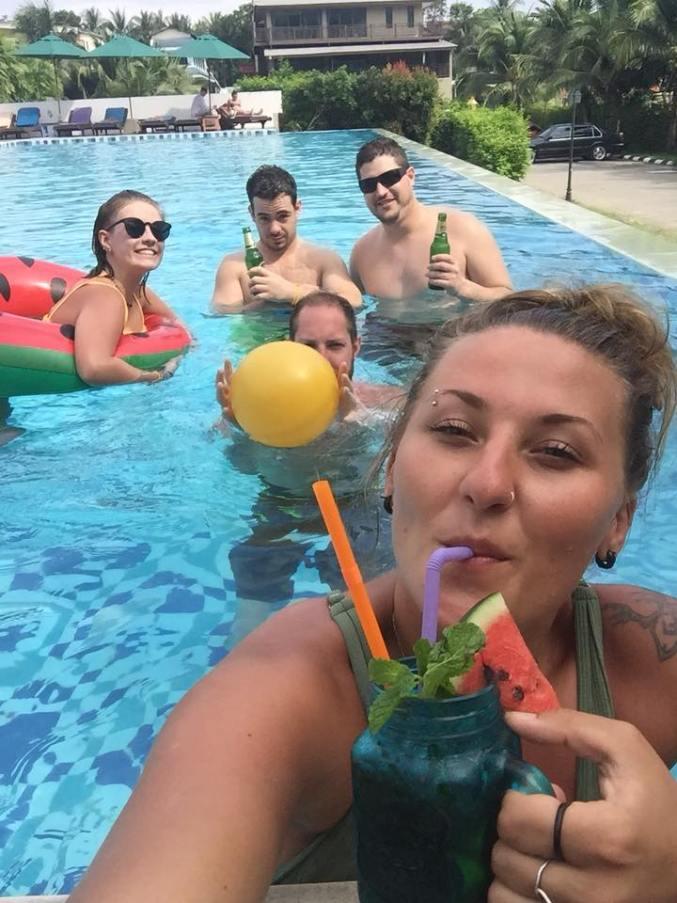 chelsea-autor-pool-party
