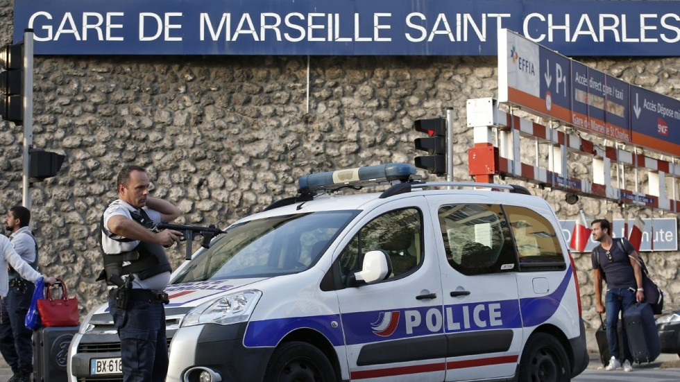 Swiss police detain two people wanted for Marseille knife attack
