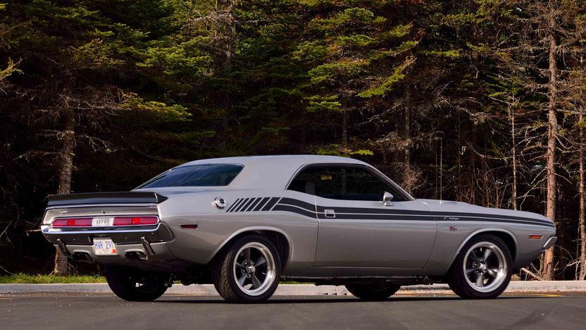 Dodge Challenger Resto Mod