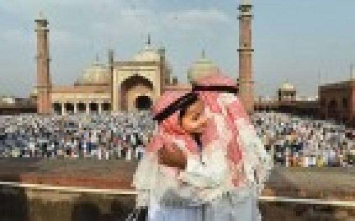 आज नहीं नजर आया चांद, अब देशभर में सोमवार को मनाई जाएगी ईद