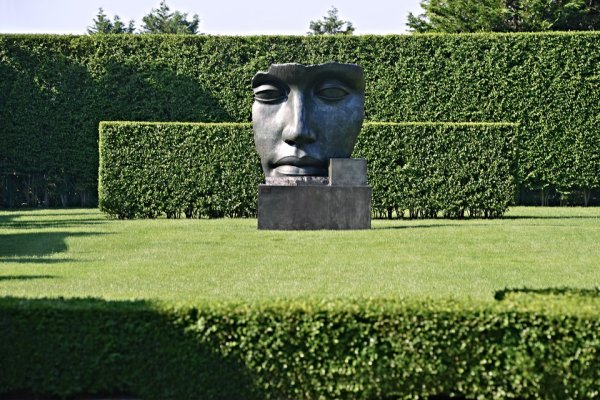 Art in the garden: placing the right work in the right ...