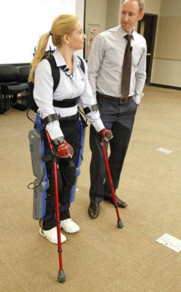 New device helps people with spinal cord injury walk ...