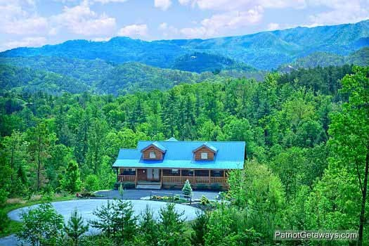 Exterior View Of Winter Wonderland A 3 Bedroom Cabin Al Located In Pigeon Forge