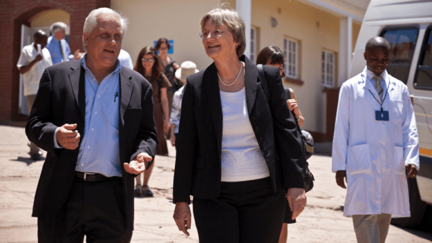 Dr. Richard Marlink with Harvard President Drew Faust in Botswana. Photo by Justin Ide/Harvard University News Office
