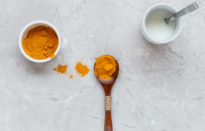 Milk and Turmeric Exfoliator To Get Soft Pink Lips
