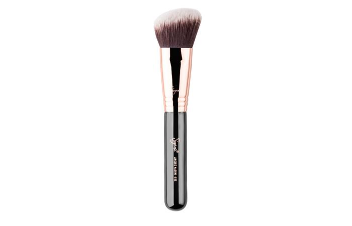 MAC 210 Sikat Eyeliner Precise-Jenis Kuas Makeup