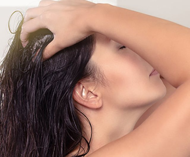 2.-Give-Your-Scalp-A-Massage