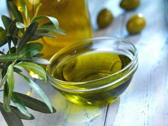 olive oil for thick eyebrows