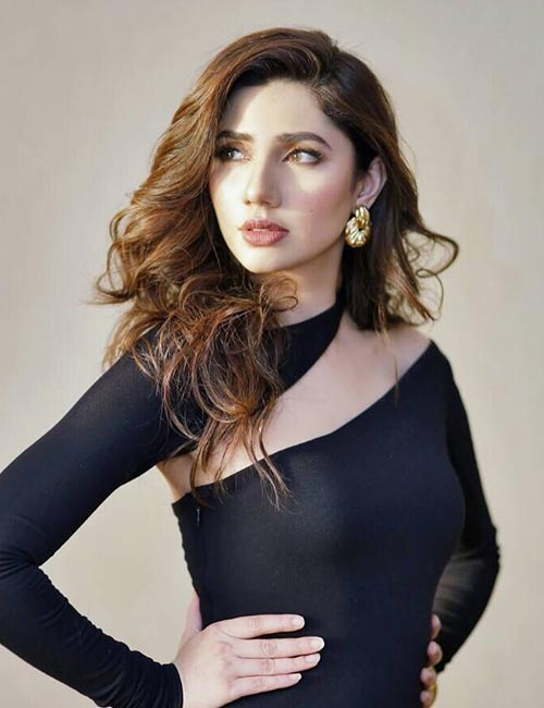 16. Mahira Khan - Good Looking Woman In The World