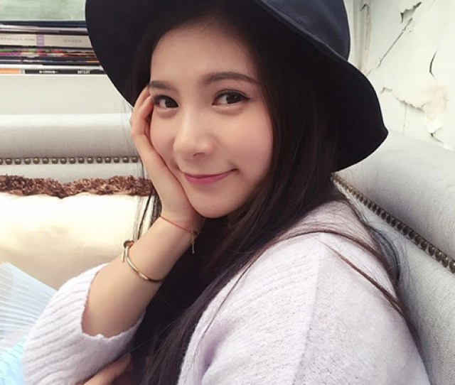 He Zi Most Beautiful Chinese Girl