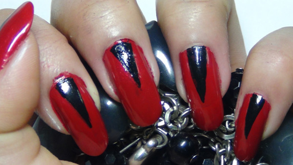Easy Cly Red And Black Nail Art