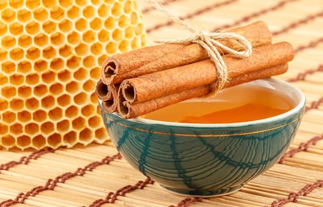 Cinnamon And Honey - Remedies For PCOS