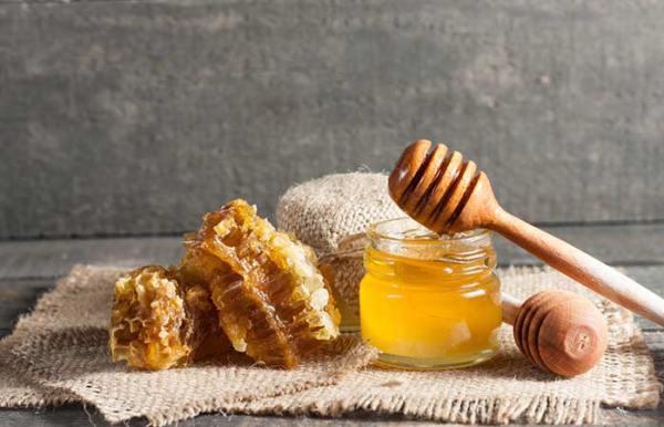 Honey Coat For Scrapes And Cuts
