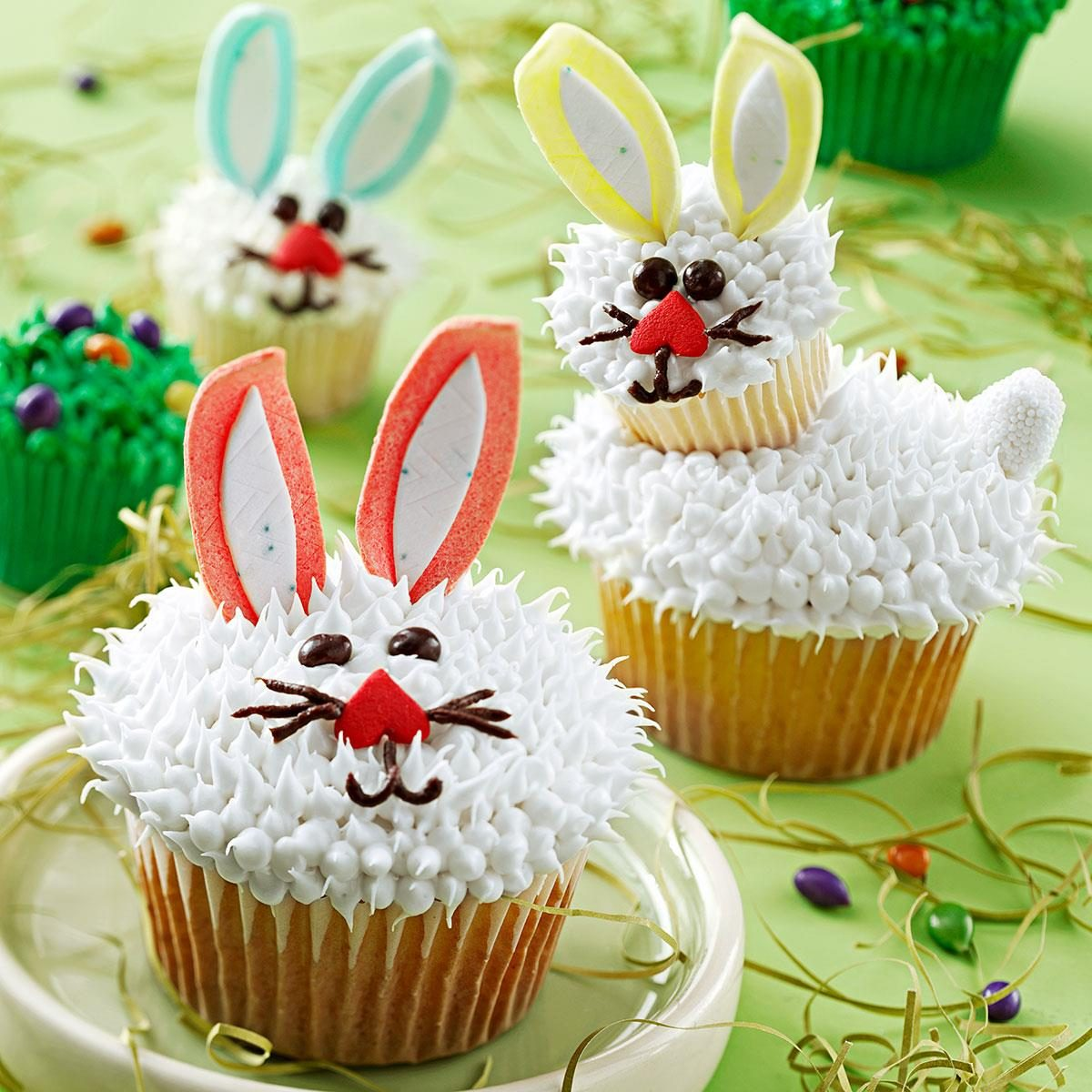 Easter Baking Cupcakes