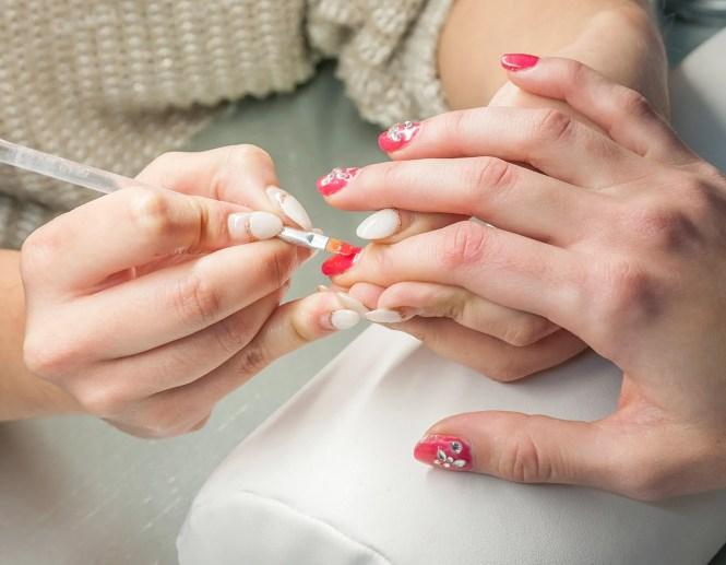 Image Led Apply Gel Nails Step 8