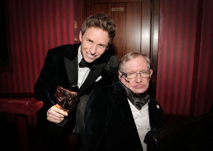 shutterstock 4418661a1 - Convertirse en Stephen Hawking no fue fácil: Así se preparó Eddie Redmayne para 'La teoría del todo'