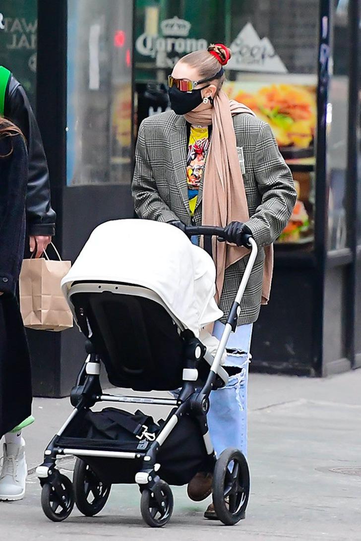 2 74 - Gigi Hadid por fin da a conocer el nombre de su bebé tras 4 meses de haber dado a luz