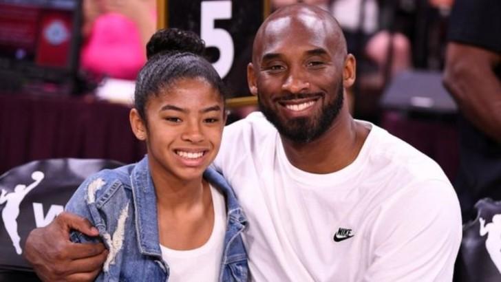 bryant 1 - A un año de su muerte: El recuerdo de Kobe Bryant y su hija sigue vivo. Las calles les hacen honor