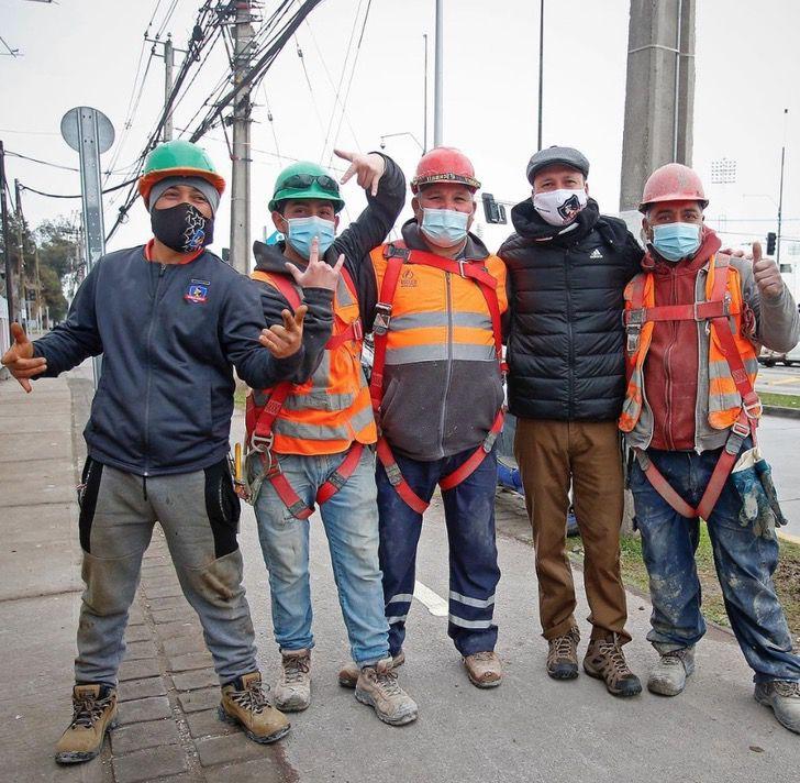 Captura de Pantalla 2021 08 20 a las 13.51.38 - Equipo dio entradas a obreros que apoyaban desde una construcción. Será su primera vez en el estadio