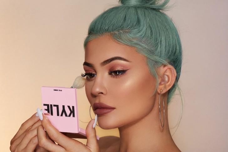 kylie jenner mundo8 - 10 cosas buenas que Kylie Jenner ha hecho por el mundo. No todo es maquillaje y selfies