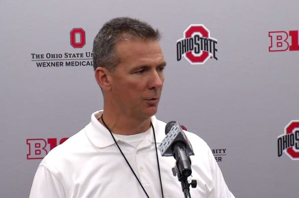 Urban Meyer calls new NCAA texting rule 'most ignorant ...