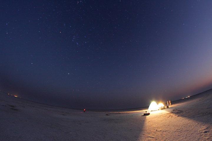 https://i1.wp.com/cdn2.walkthroughindia.com/wp-content/uploads/2012/10/Night-at-Thar-Desert.jpg