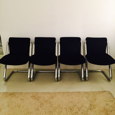 E†(tm) possibile visionare questo e moltissimi altri mobili vintage e di antiquariato (ma anche lampade, divani. Sedie Vintage Italia Anni 70 Set Di 4 In Vendita Su Pamono