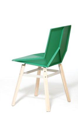 chaise verte avec pieds en bois par mobles114
