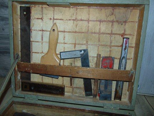 caisse a outils industrielle en bois 1940s