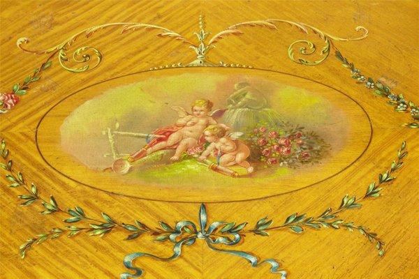 meuble de la fin du 19eme siecle en bois de satin avec peintures decoratives
