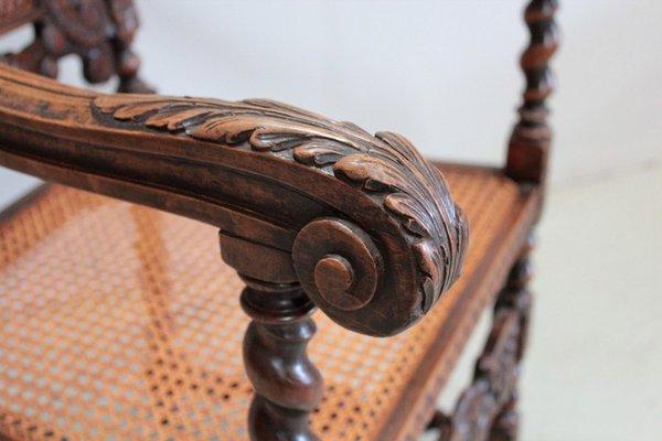 grand fauteuil style louis xiii vintage en hetre
